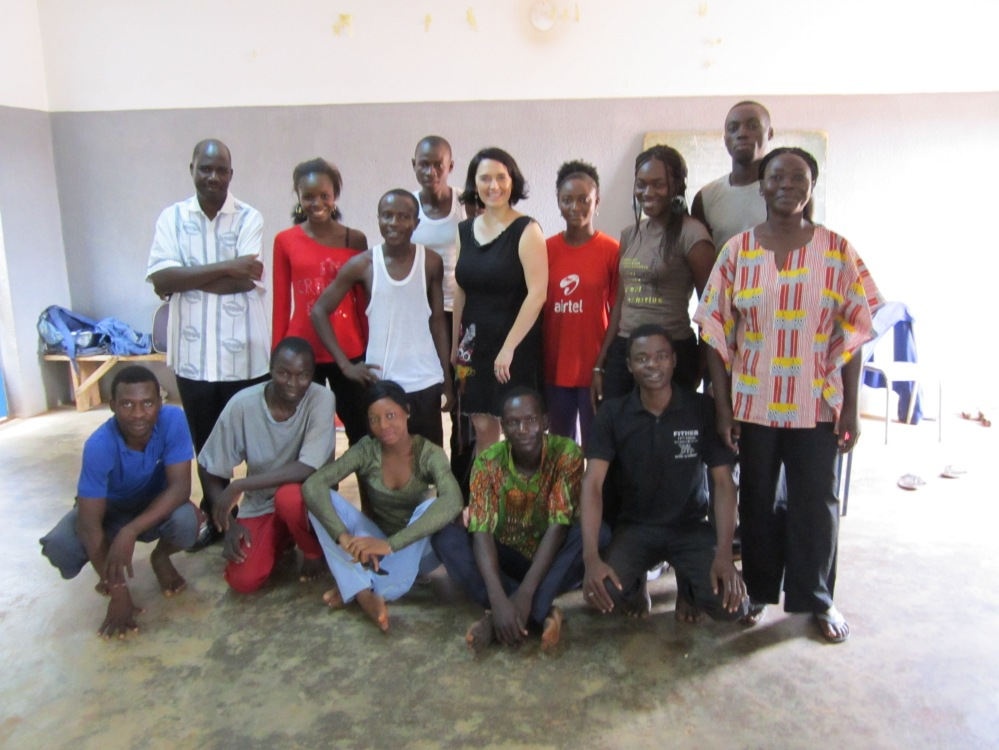 La troupe du CFRAV à l'Espace culturel Gambidi