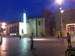 Sur la place devant le Museu d'art contemporàni de Barcelona